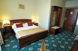 Hotel Park barokk stílusú franciaágyas delux szoba