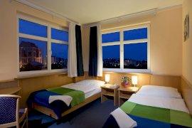 Kétágyas szoba külön ágyakkal
