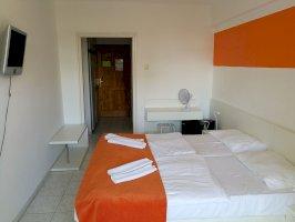 Standard plus kétágyas szoba