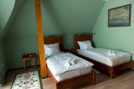 Két külön ágyas standard szoba