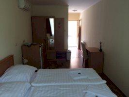 Földszinti két fős apartman egy hálótérrel (konyha nélkül)