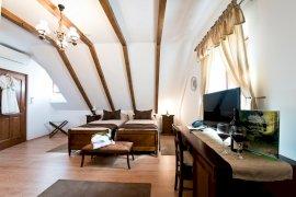 Kétágyas szőlőre néző emeleti