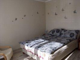 Romantikus franciaágyas apartman sarokkádas fürdőszobával 2-4 főre