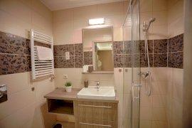 Zafír Apartman Sárvár fürdőszoba