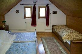Fenti családi szoba
