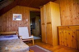 Fenti nyugalmi szoba