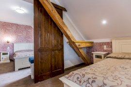 2 hálószobás lakosztály terasszal-tetőtéri