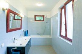 Kádos fürdőszoba