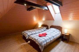 Emeletes hálószoba
