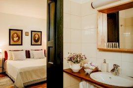 egyedi fürdőszoba