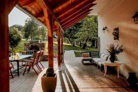 Villa terasz