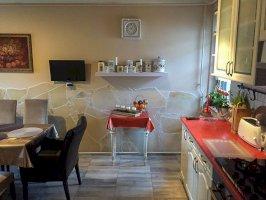 4 fős földszinti különbejáratú apartman konyha