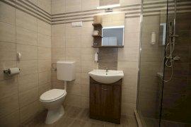 Négyágyas új-Fürdőszoba