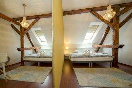2 fős tetőtéri superior szoba