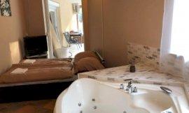 11-es szoba franciaággyal pezsgőfürdővel