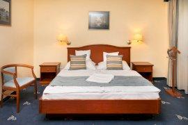 Négycsillagos superior franciaágyas szoba