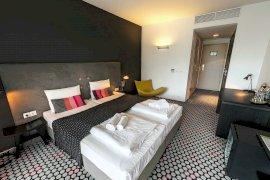 Modern kétágyas szoba