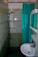Standard kétágyas közös fürdős szoba