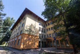 - gyulai nyugdíjas hotel