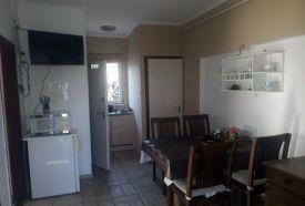 Emeleti két hálószobás apartman konyha,étkező