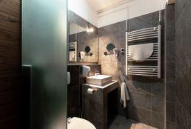 Fürdőszoba 3 ágyas szoba