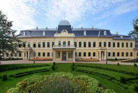 Almásy-kastély Látogatóközpont