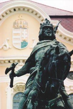 Kálmán herceg szobra