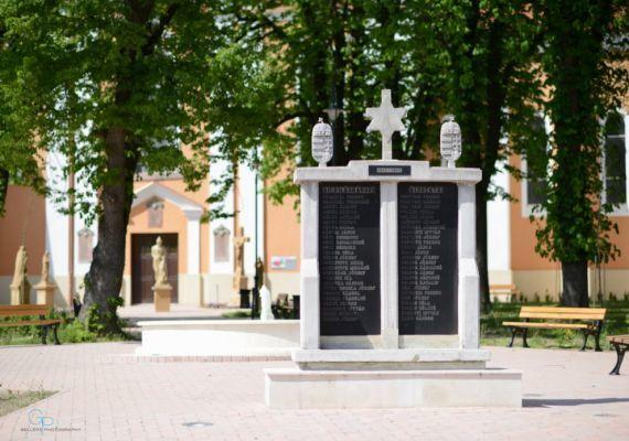 I. és II. világháborús emlékmű, Igal
