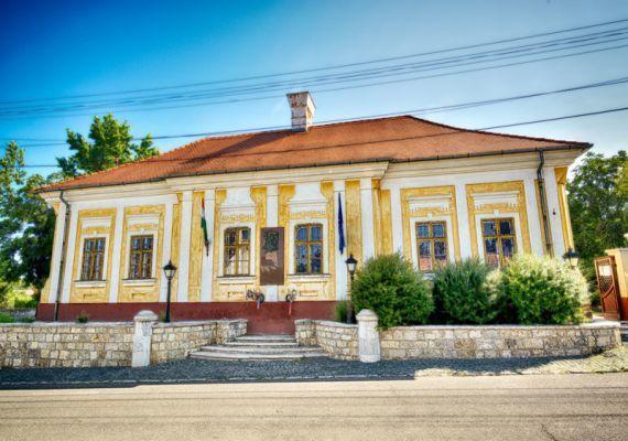Kossuth Lajos szülőháza, Monok