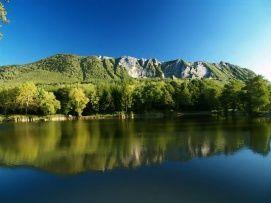 Lak-völgyi tó