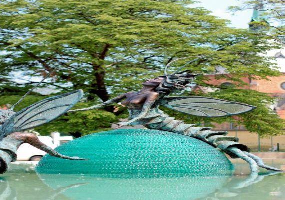 Tiszavirágpár szobor, Szolnok