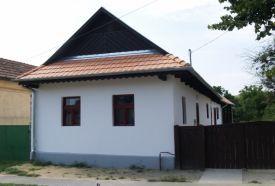 Ügyes Kezek Háza