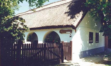 Tájház, Balatonkenese