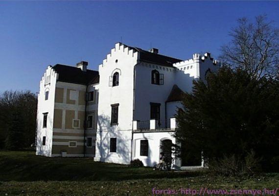 Bezerédj-kastély parkja, Zsennye