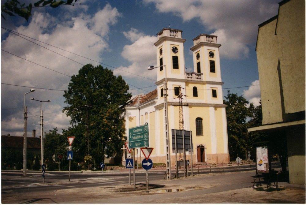 Nagyboldogasszony Plébániatemplom, Kisbér