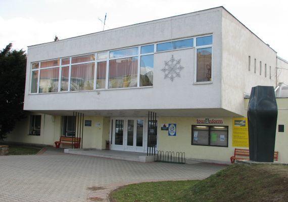 Sportcsarnok, Pécsvárad