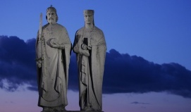 I. Szent István király és Gizella királyné szobra